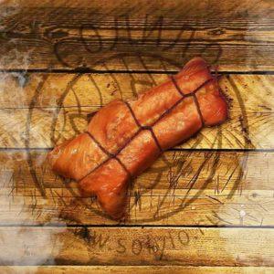 Хребты лосося горячего копчения